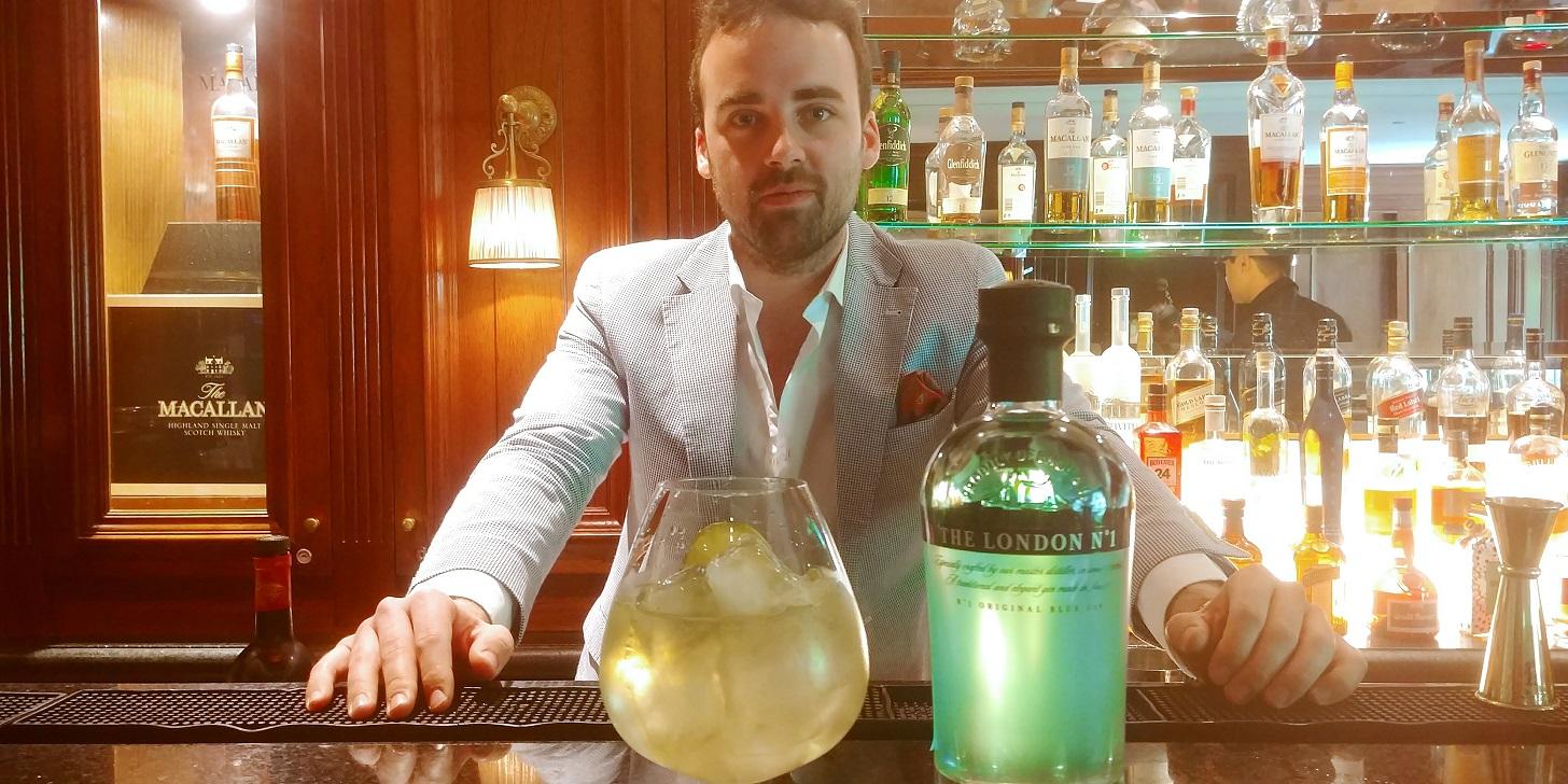 """""""Uno debe aprender de los bares, ellos son los que conocen al consumidor"""" Conversamos con Álvaro Plata, brand emmbasador de González Byass"""
