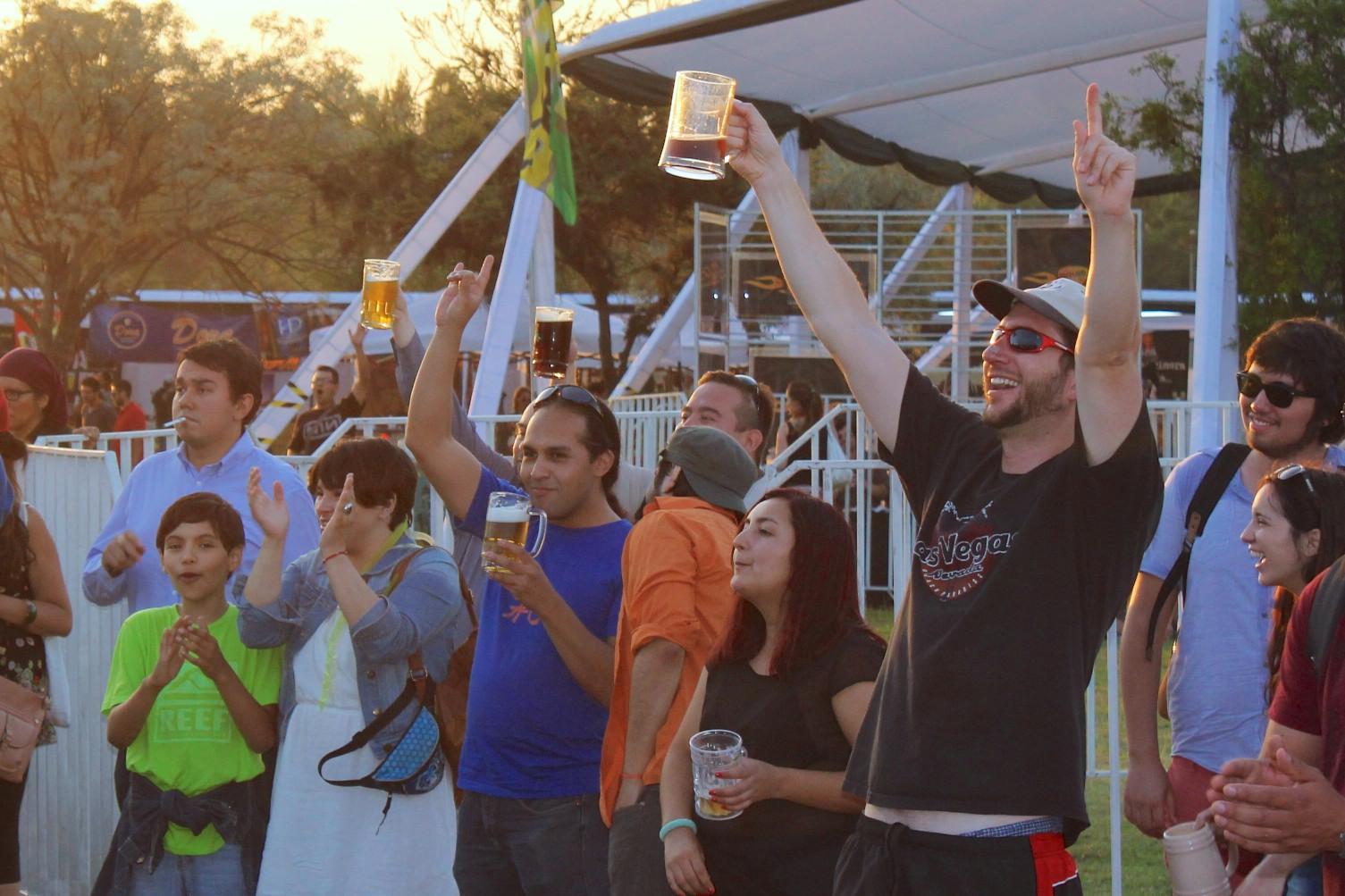 Este 12 de octubre comienza Bierfest Oktober Santiago