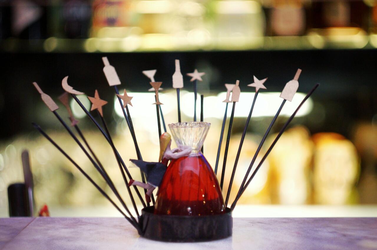 RED Luxury Bar estrena carta inspirada en el teatro Lambe Lambe