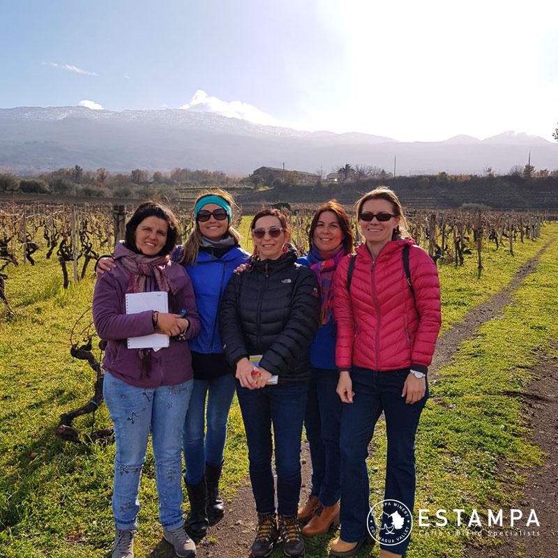 Enóloga de Viña Estampa recorre connotadas regiones vitícolas de Italia en gira prospección tecnológica
