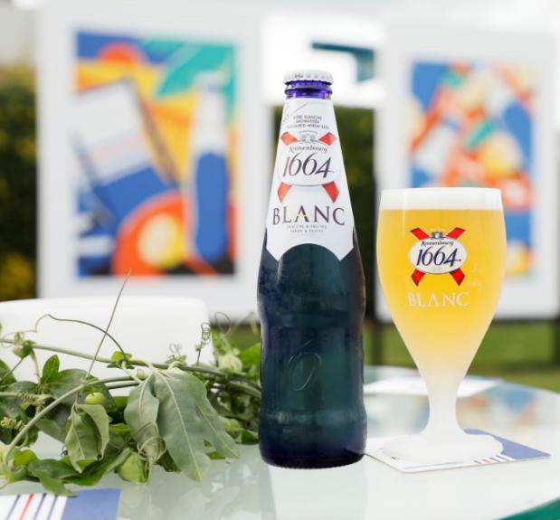 1664 Blanc: La clásica cerveza de trigo francesa que está dando que hablar en Chile
