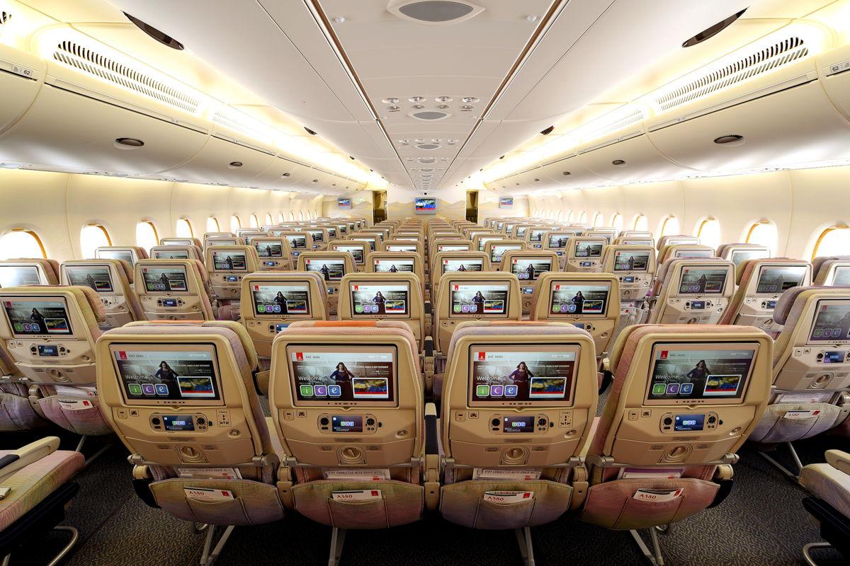 Emirates expande sus destinos a través de alianza con LATAM Airlines.