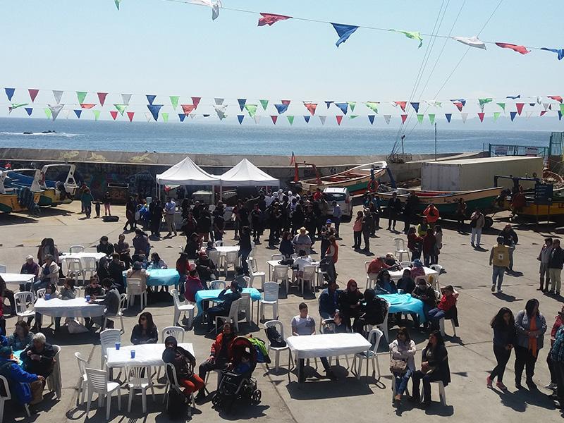 Más de mil personas disfrutaron del Día de la Merluza Chilena