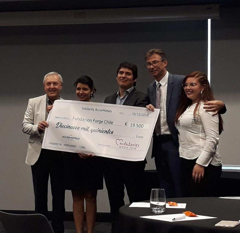 AccorHotels comenzó acciones solidarias con su fundación en Chile.