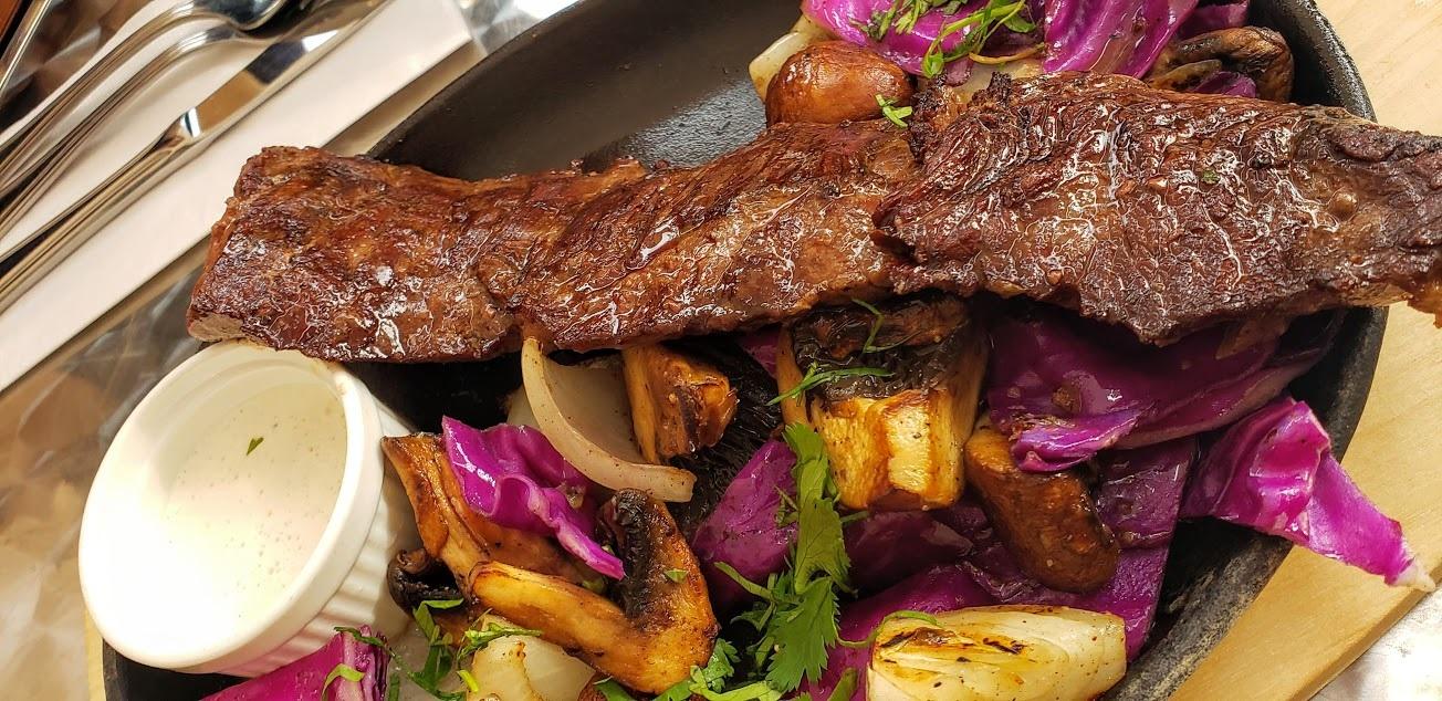 Comedor Central: Lo criollo y lo divino
