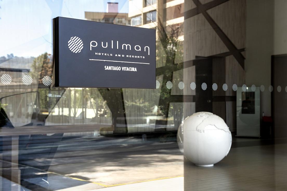 Accor y Air France-KLM firman alianza para acceder a beneficios en hoteles Pullman de Chile
