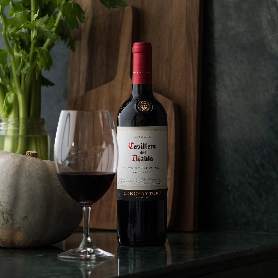 """Wine Enthusiast destaca a Casillero del Diablo como """"Mejor Viña del Nuevo Mundo"""""""